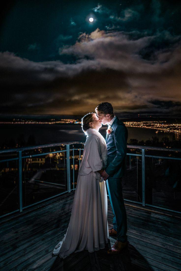 Wedding by moon light - Jönköping bröllop