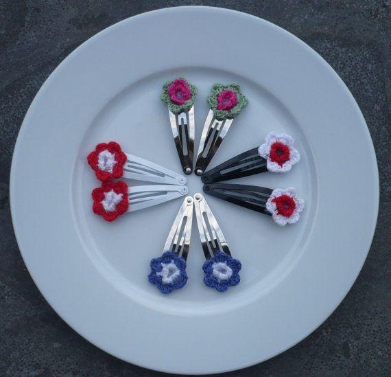 Crochet Flower Hair Clips by RedIbisGifts on Etsy - Gehaakte Haar Clips