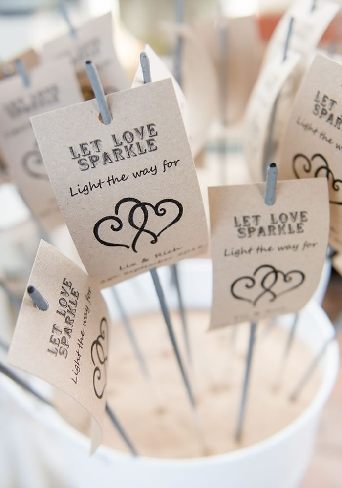 wedding favors ideas do it yourself%0A   wedding favours that won u    t be left behind  Unique Wedding FavorsDiy