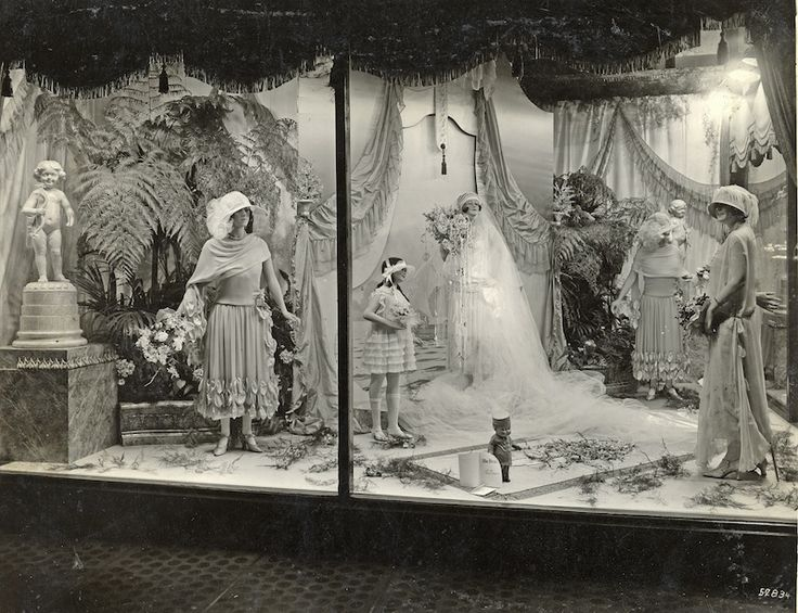 1000+ Images About Vintage Window Displays On Pinterest