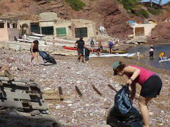 Fundación Biodiversidad: Casi 500 voluntarios movilizados en agosto en playas y ríos