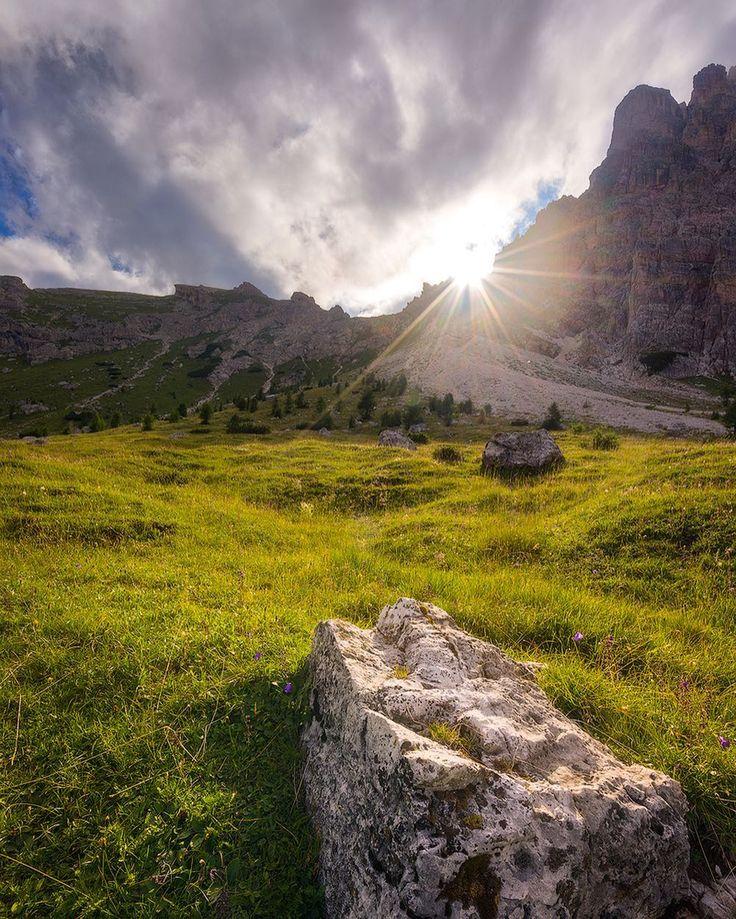 Scendendo verso il Rif. Croda da Lago Dolomiti