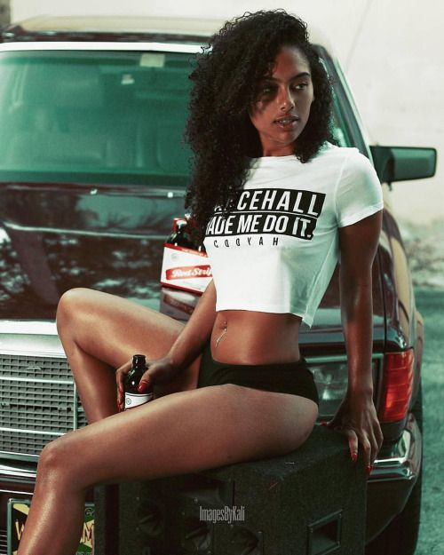 Dancehall Made Me Do It Model:@krystalangelique Photography:@imagesbykali Get the look at cooyah.com #jamaica #fashion #lifestyle