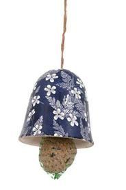 Kerámia madáretető harang, kék alapon fehér virág mintával. Madáreleséggel szállítjuk.Mérete: átmérő: 11 cm magasság: 12 cm Súlya: 0,38 kg