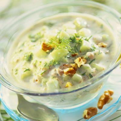 Supa rece cu iaurt si castraveti