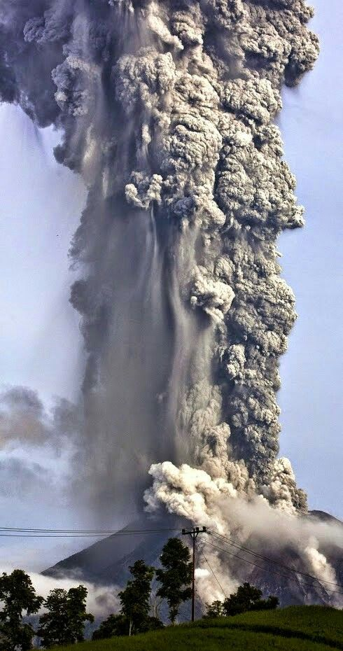 The Amazing power of nature Volcano~~and the wrong words can explode an entire country!!