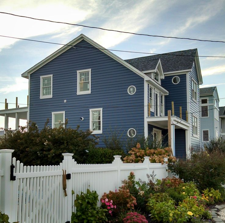 Restore The Shore Wolfbuilding Trim Crane Regatta Blue