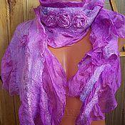 Купить или заказать Шарф валяный Розовый фламинго. в интернет-магазине на Ярмарке Мастеров. Шарф валяный розово-кораллового цвета изготовлен в технике нуно-фелтинг из 100% шерсти ручного окрашивания и 100% маргиланского шелка,украшен различными декоративными волокнами. Невероятно легкий,теплый шарф подойдет для утонченной Леди.