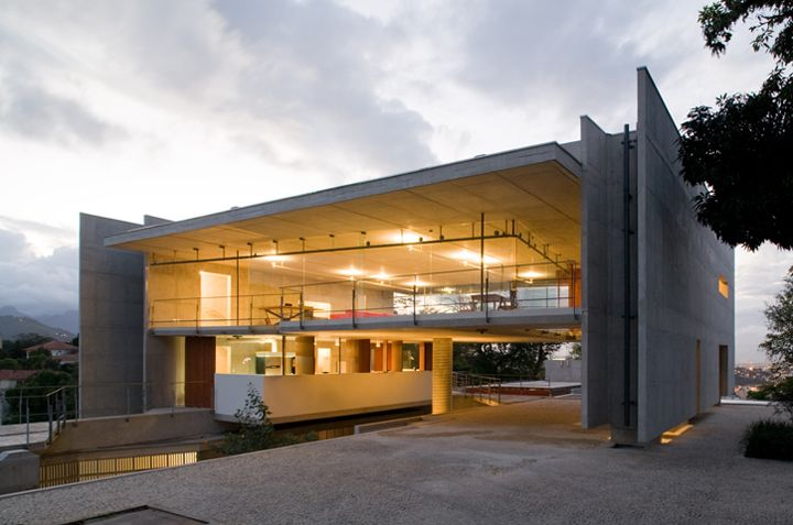 House in Carapicuiba by Alvaro Puntoni and Angelo Bucci