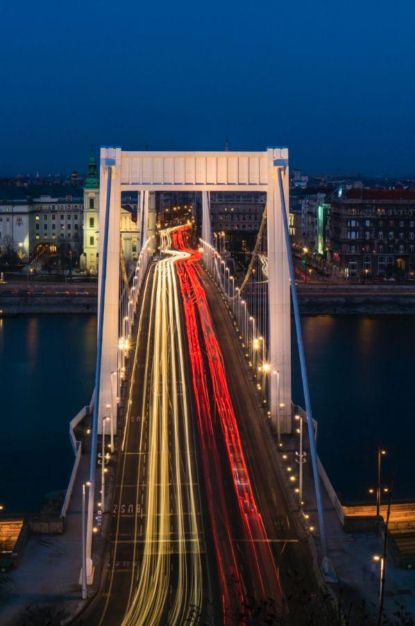 Elisabeth-Bridge Rush Hour :: Budapest :: photo by Riccsi (Richárd Sárközi)