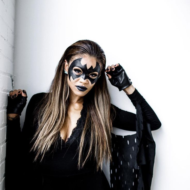 Last minute costume ideas... Batwoman! Just wear all black and put that eyeliner to good use!