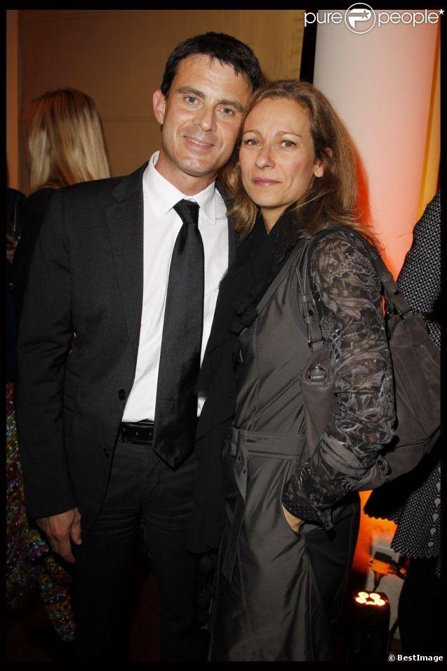 Manuel Valls et Anne Gravoin à Paris, le 22 novembre 2011. Anne est violoniste ,premier prix de violon et de musique de chambre du Conservatoire de Paris.