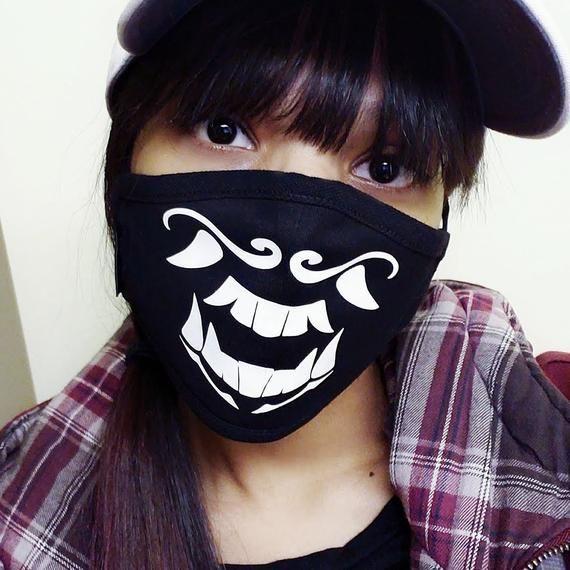 Akali Kda Popstar League Of Legends Uv Glow In The Dark Mask Etsy Dark Mask Pink Mask Glow In The Dark