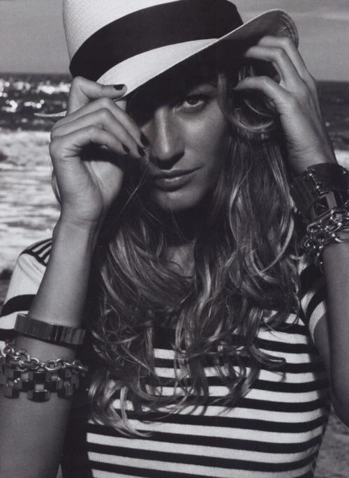.White Photography, Black And White, Hats Hair, Stripes, Beautiful People, Beach Hair, Gisele Bundchen, Giselebundchen, Style Fashion
