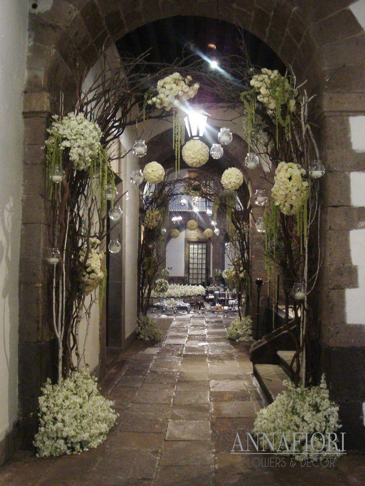 Arcos de varas con flores y velas bodas pinterest - Arcos de jardin ...