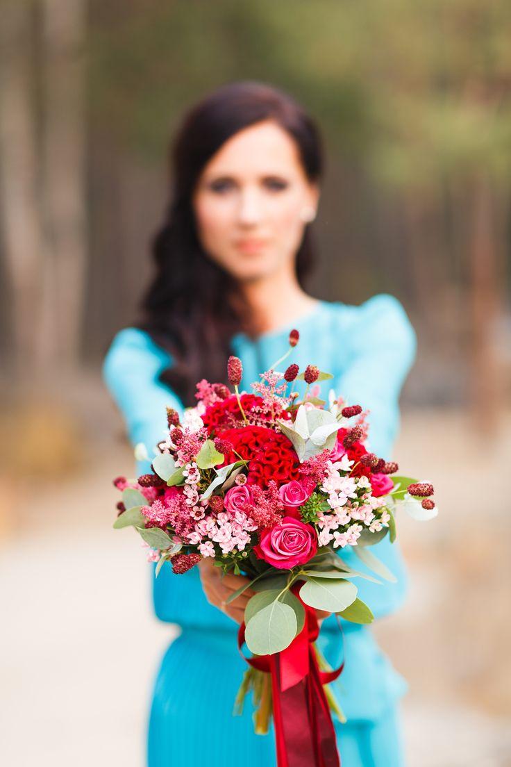 ФОТОСЕССИЯ НА 10 ГОДОВЩИНУ СВАДЬБЫ: ВИКТОРИЯ И ИГОРЬ 10th anniversary shooting: aqua blue, red, fuchsia. Wedding flowers and bridal bouquet