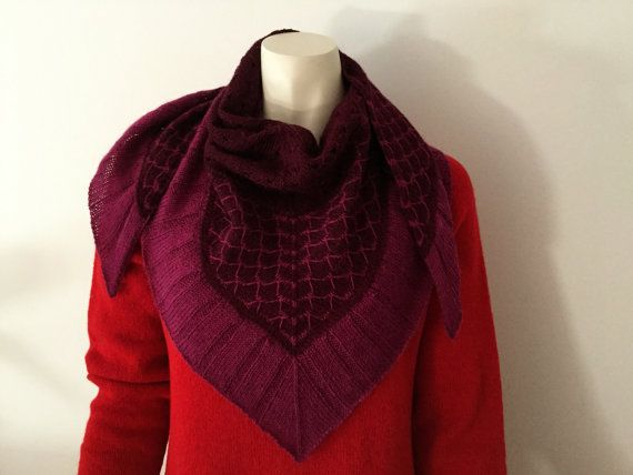 Lovely soft and non-itchy shawl or scarf hand knitted with a yarn from Danish Isager consisting of 50% merino and 50% alpaca. The shawl is knitted from