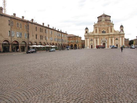 piazza Martiri di Carpi