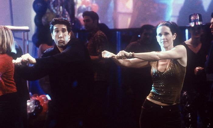 FRIENDS, David Schwimmer, Courteney Cox Arquette, 'The One With The Routine aka The One With The Rockin' New Year', (Season 6, epis. #131), 1994-2004, © Warner Bros. / Courtesy: Everett Collection