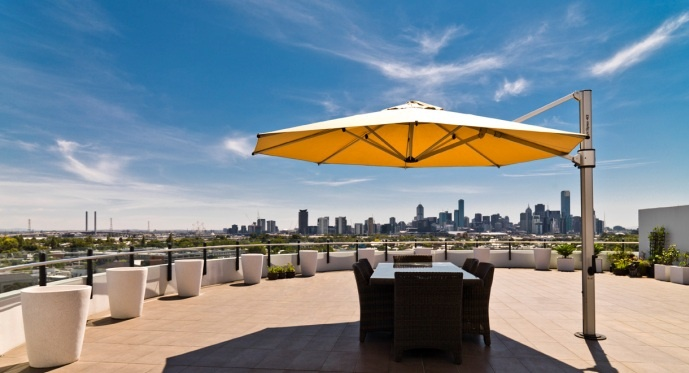 Riviera Cantilever Umbrella - Yellow