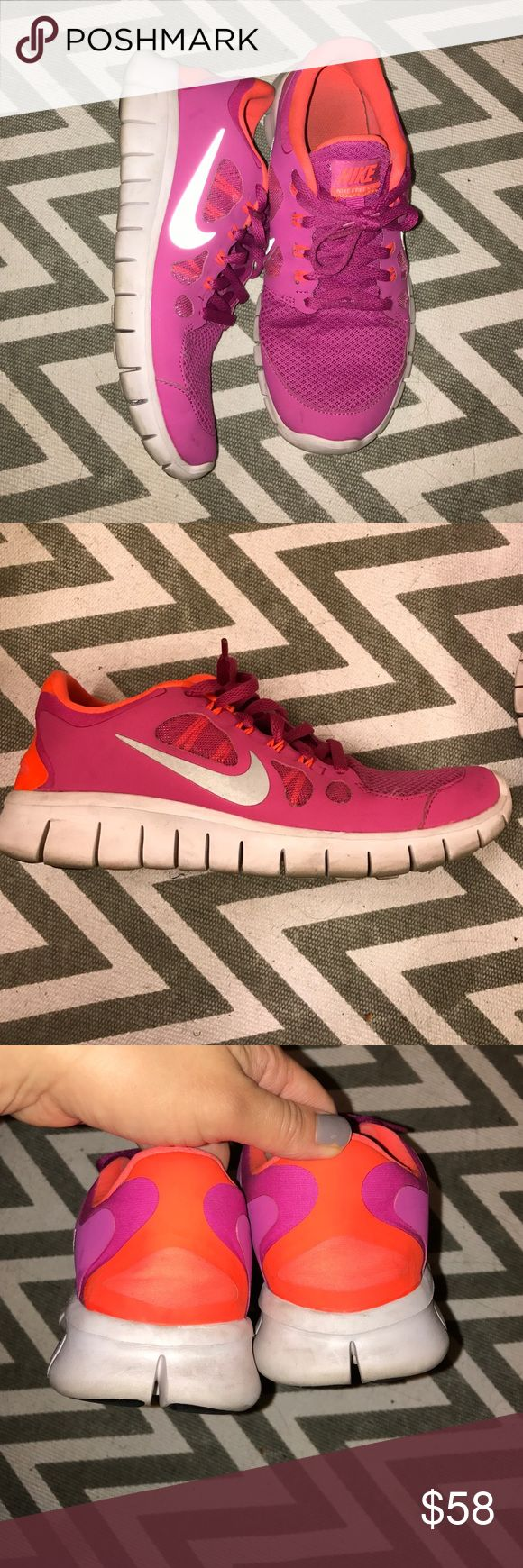 NIke free 5.0 Used in very good condition, these are great pair of comfortable sneakers. Nike Shoes Sneakers