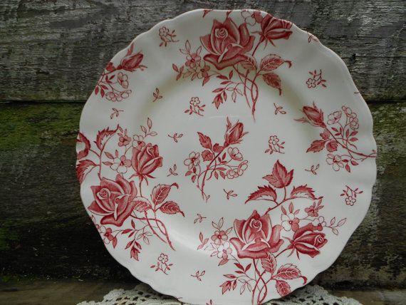 "Red ""Tudor Roses"" DINNER PLATE by J & G Meakin  10"" Vintage English Transferware Dinner Plate"