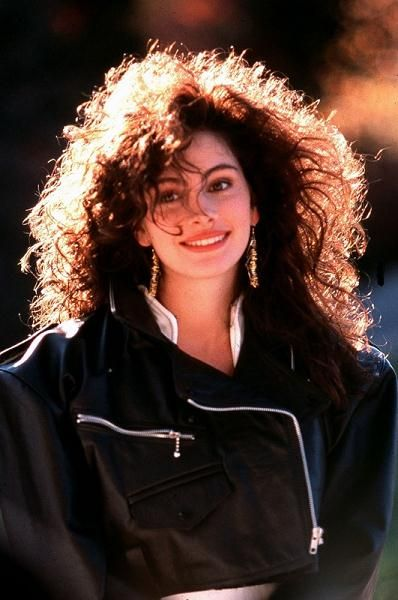 Julia Roberts and the hair we all wanted. :)