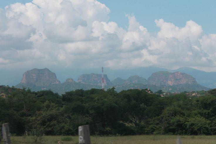 Farallones vía a Chaparral Tolima.