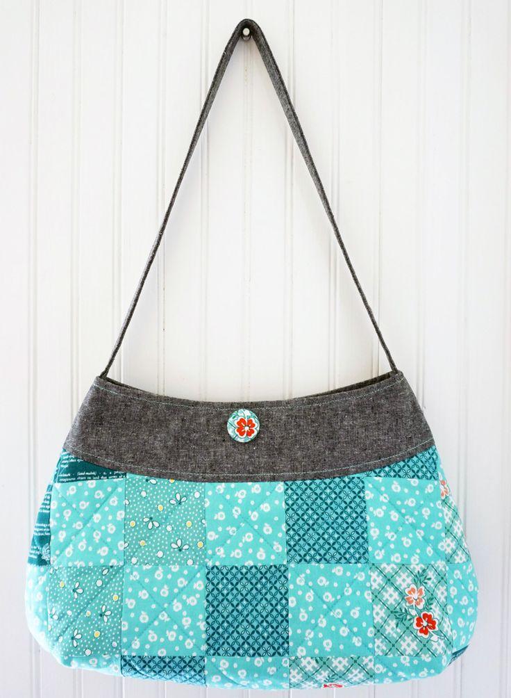 Kijk wat ik gevonden heb op Freubelweb.nl: een gratis patroon van Sew mama Sew om deze mooie tas te maken https://www.freubelweb.nl/freubel-zelf/zelf-maken-met-stof-tas-2/