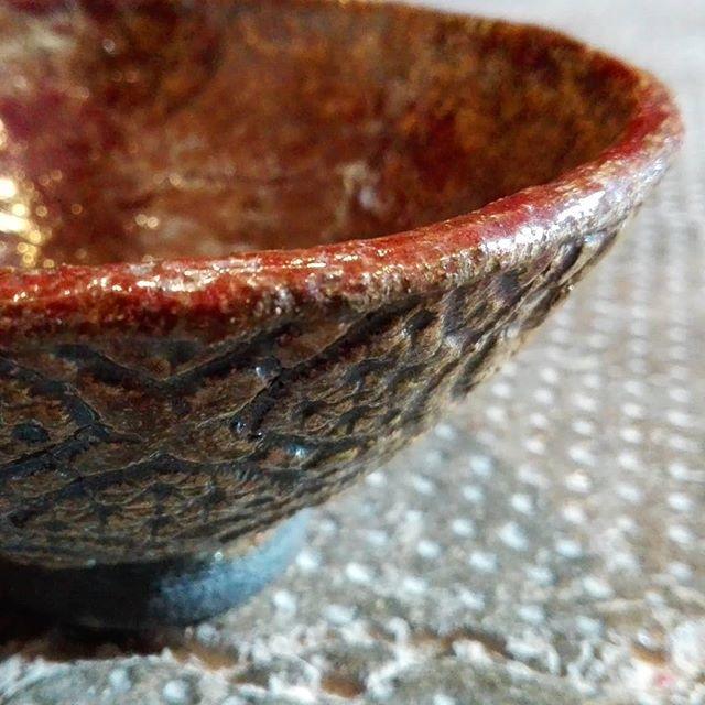 Rimuovere residui di silicone da gres porcellanato e ceramica
