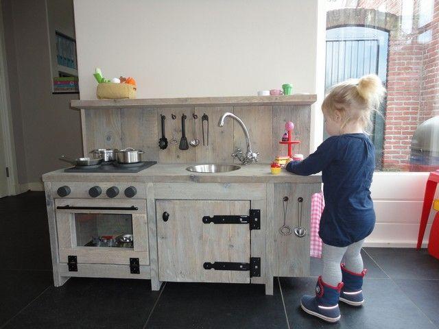 Kinderkeukentje Steigerhout InVorm Boekel - Interieurbouw