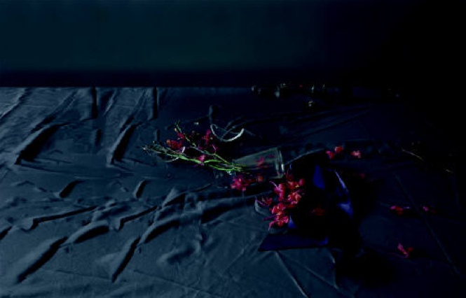 Laura Letinsky, Untitled #17, from series After All, 2009 http://theredlist.fr/media/database/photography/contemporaine/nature_morte/laura_letinsky/005-laura-letinsky-theredlist.png