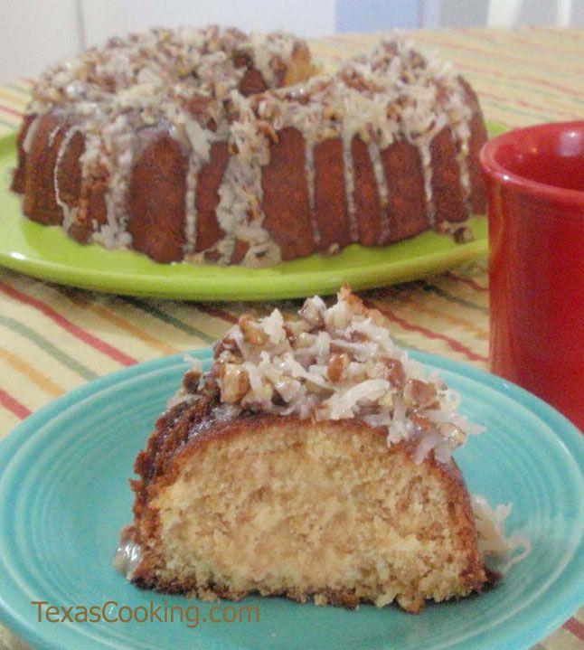 Cajun Cake recipe for Mardi Gras, presented and served on Fiesta® dinnerware | Texas Cooking