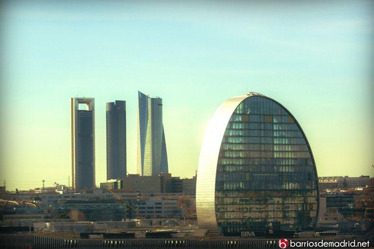 """La """"Vela"""" La nueva sede del BBVA en Madrid. Un complejo de 114.000 metros cuadrados de oficinas y servicios, con capacidad para albergar a 6.000 trabajadores. Un proyecto de los arquitectos suizos Jacques Herzog y Pierre de Meuron. ¿Qué os parece? © http://barriosdemadrid.net/la-vela-la-nueva-sede-del-bbva-en-madrid/ #LaVela #BBVA #Madrid"""