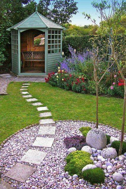 Pathway to gazebo with pebble feature
