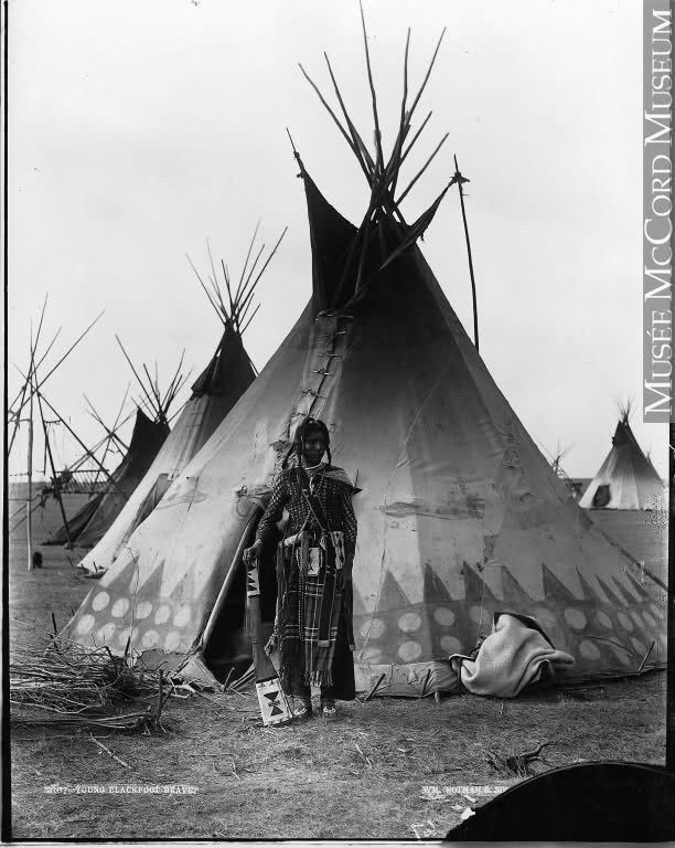 blackfoot indian tribe | Photographs of individual Blackfoot | www.American-Tribes.com