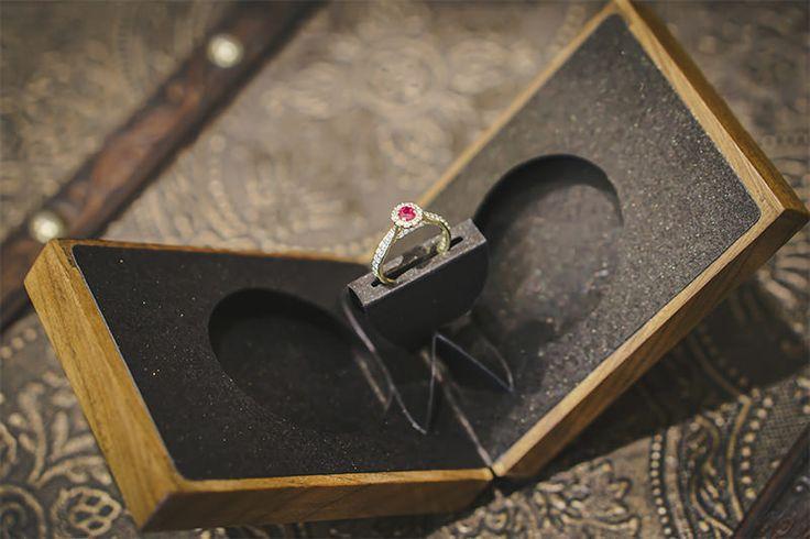 Decidiu fazer o pedido de casamento e precisa de dicas valiosas sobre anéis de noivado? Explore uma variedade de tópicos que separamos para que você se sin