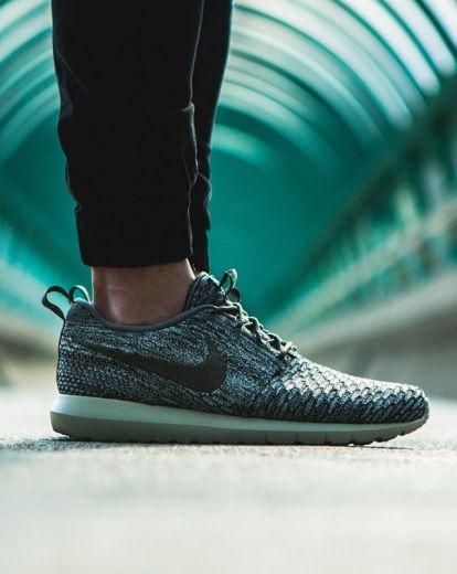 Nike Roshe Flyknit Grey