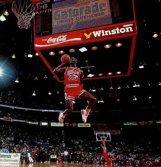 michael jordan – slam dunk contest: Air Jordans, Michaeljordan, Chicago Bull, Slammed Dunks, Sports, Jordan'S, Slamdunk, Michael Jordans, Dunks Contest