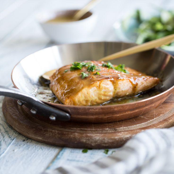 Der Feierabend ruft! Kombiniere dein Lachsfilet mit dieser würzig-karamelligen Marinade und bring Abwechslung in deine After-Work-Küche.