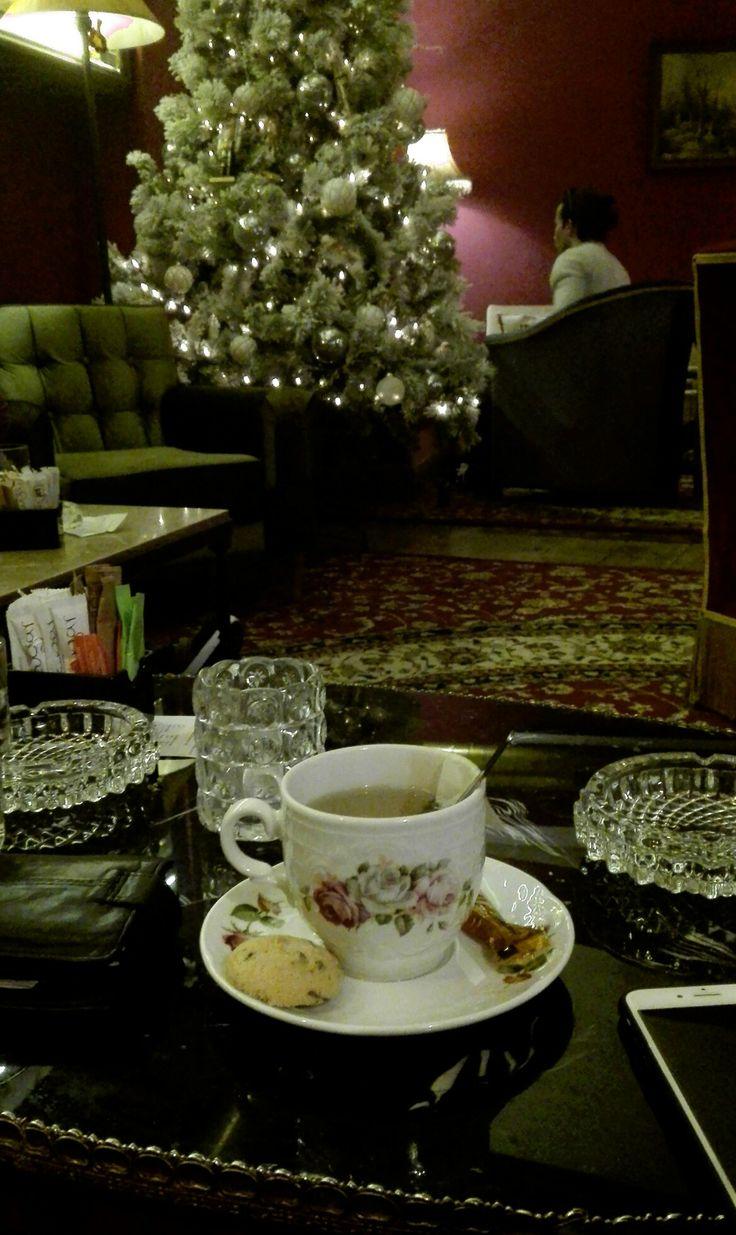 Black tea & a mini cookie with stevia