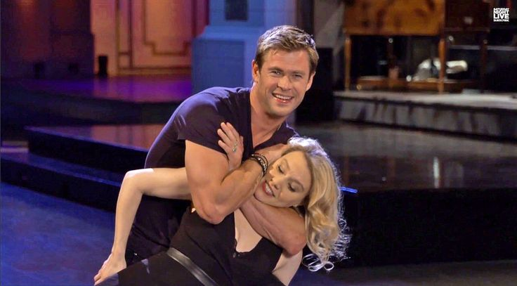 Chris Hemsworth may or may not have seen 'Dirty Dancing' in these 'SNL' promos Chris Hemsworth #ChrisHemsworth