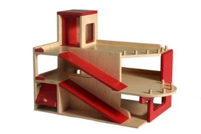25 unieke idee n over zelf houten speelgoedgarage maken op pinterest raskop winkelwagen - Cabine slaapkamer meisje ...