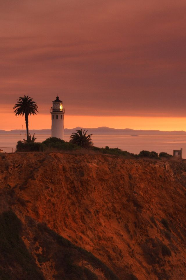 Point Vicente Lighthouse. Palos Verdes, California  http://www.ruthandraine.com/