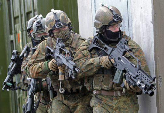 German Fallschirmjägere participating in Cold Response 2014