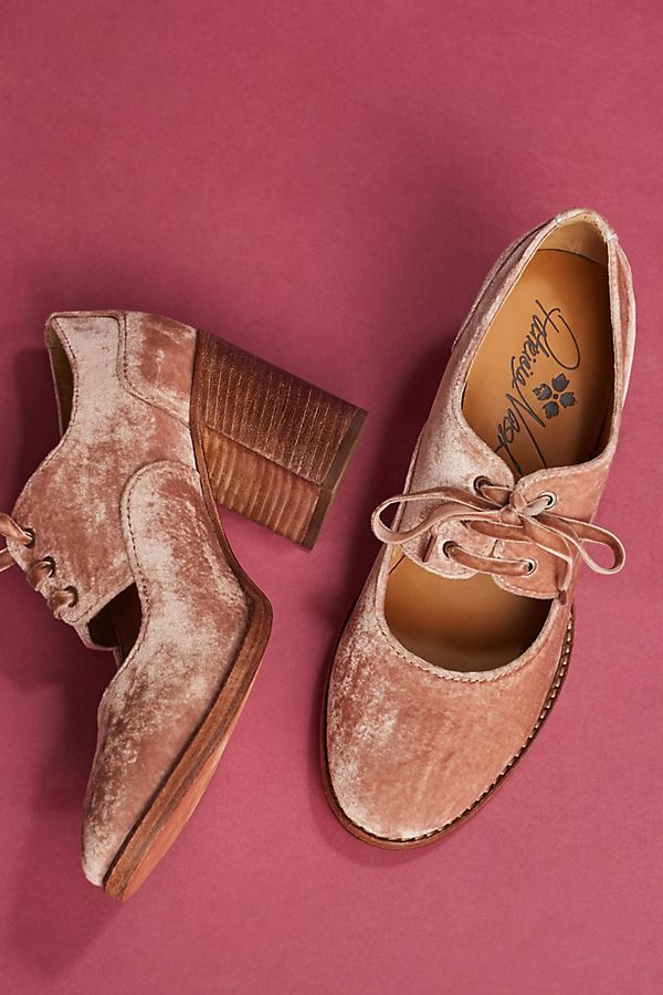 Slide View: 3: Patricia Nash Velvet Agata Heels