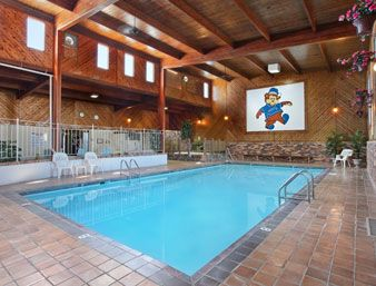 Travelodge Grand Forks Hotel Is Pleased To Welcome Both Business And Pleasure Travelers At Near