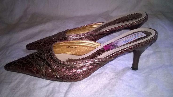 scarpe da donna a punta con tacco basso misura 36