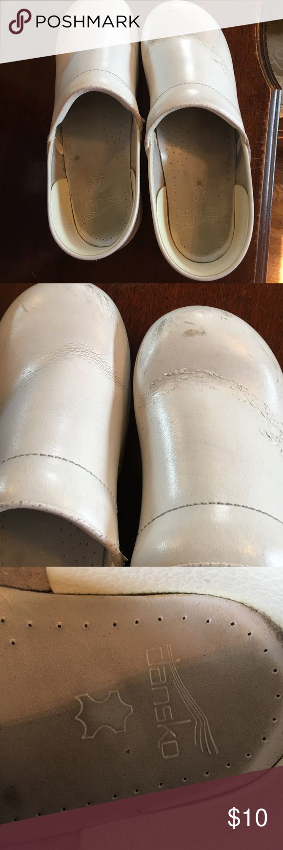 Dansko white nursing shoes. White Dansko nursing shoes. Signs of wear but still have life. Dansko Shoes Mules & Clogs
