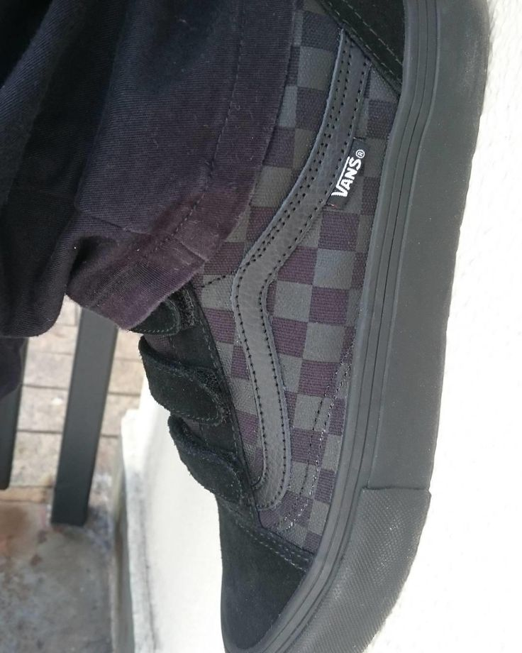 Pink vans shoe never go wrong!